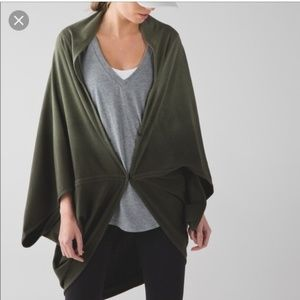 Lulu Mindful Wrap Sage Forest Green